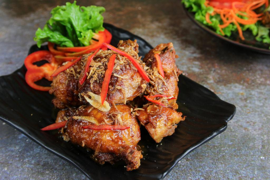 Fried Tamarind Chicken at the Baan Thai cuisine